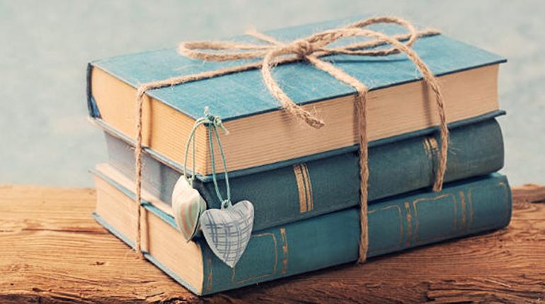 Статья, Что дарить на 8 марта любимой маме, бабушке и сестре - книги, Блог, Лавка Бабуин