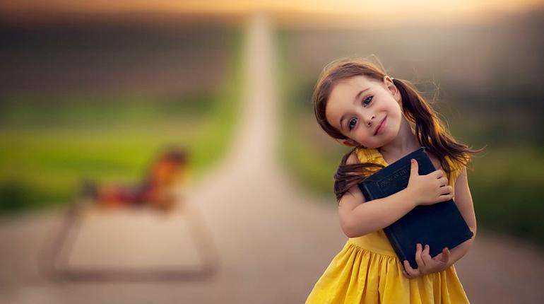 Статья, Что можно подарить девочке на 8 марта