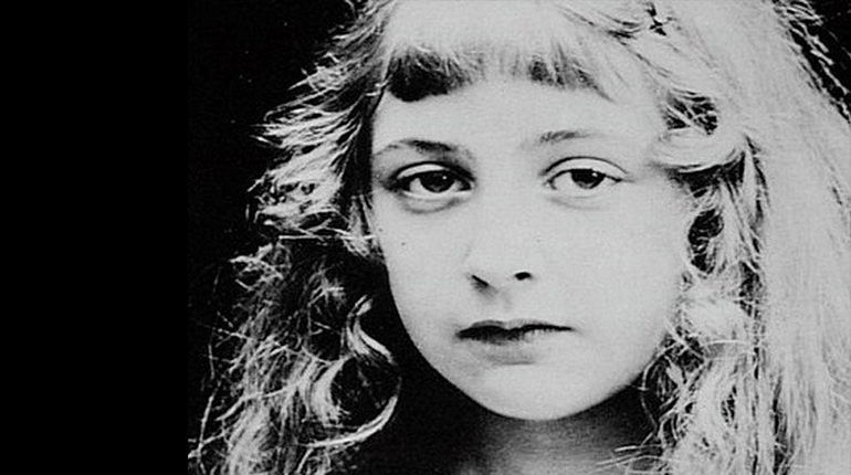 Фотография, Агата Кристи в детстве, Персона