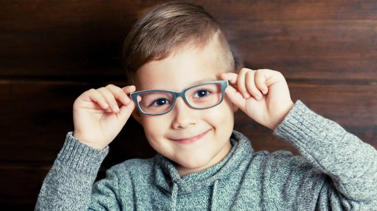 Мальчик в очках, Около книг