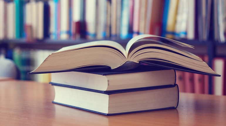 Стаття, Як створюються книги: від авторської чернетки до друку в типографії