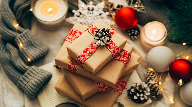 Статья, Какие подарки получали герои наших любимых книг на Рождество, Вокруг книг