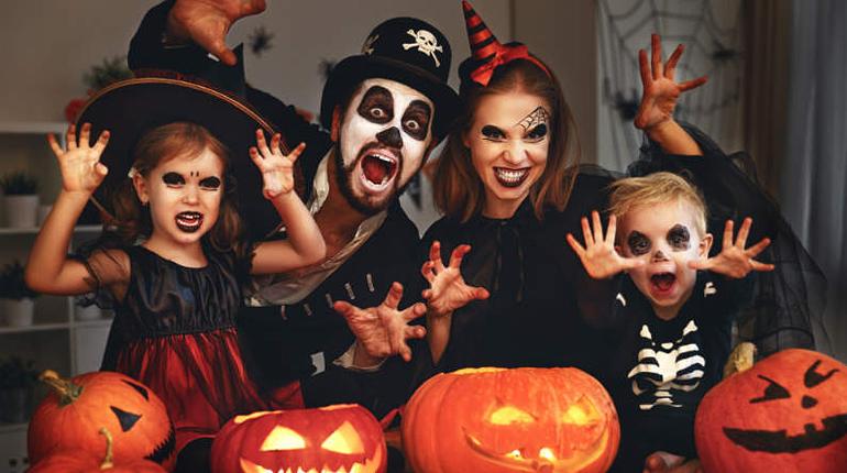 Статья, И сладости, и гадости: идеи для костюмов на Хеллоуин в стиле литературных персонажей, Вокруг книг