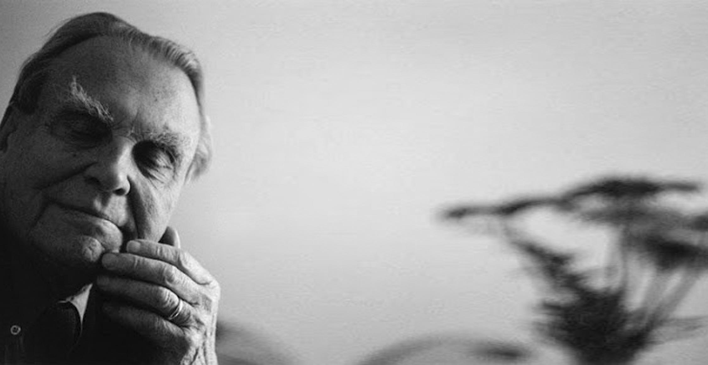 Статья, Чеслав Милош: бесстрашный художник, нашедший вкус счастья, Персона